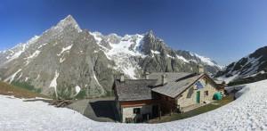 Rifugio Bonatti e Montebianco